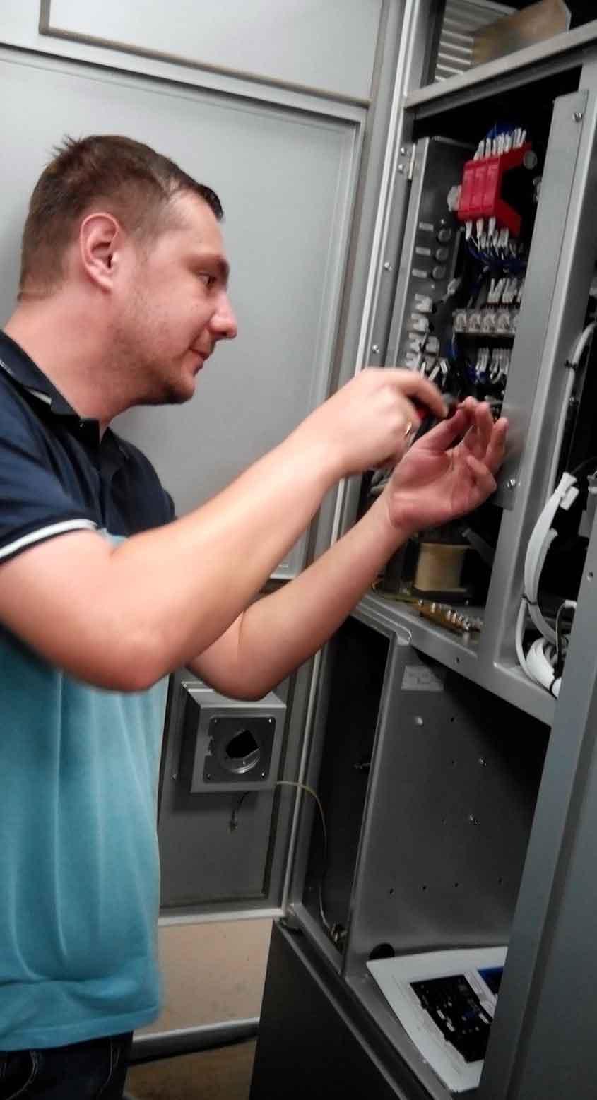 Проверка модуля в генераторе электроэрозионного станка Sodick